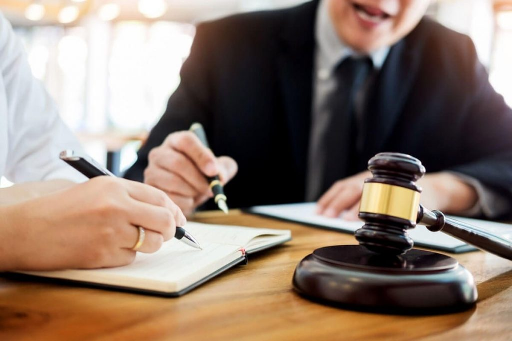 3 Tips For Finding The Right Lawyer For Your Case